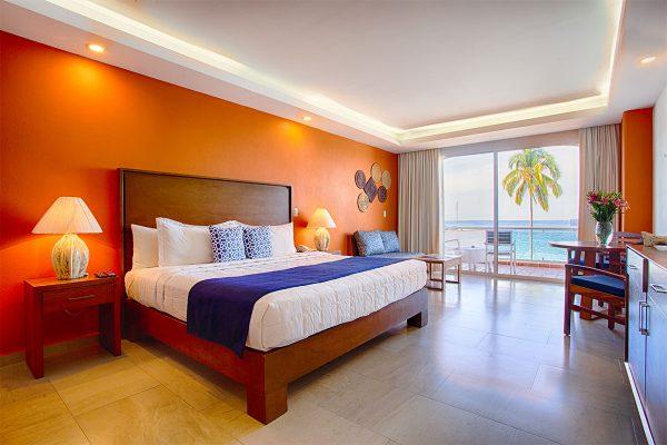 Bed-king-Suite-Ocean-View-Boutique-Hotel-Puerto-Vallarta-Centro